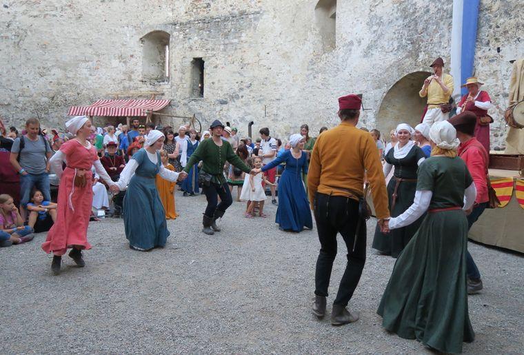 fete-medievale-chateau-grandson-2017-04.JPG