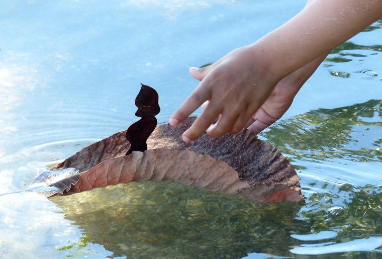 confection d'une petite barque.jpg