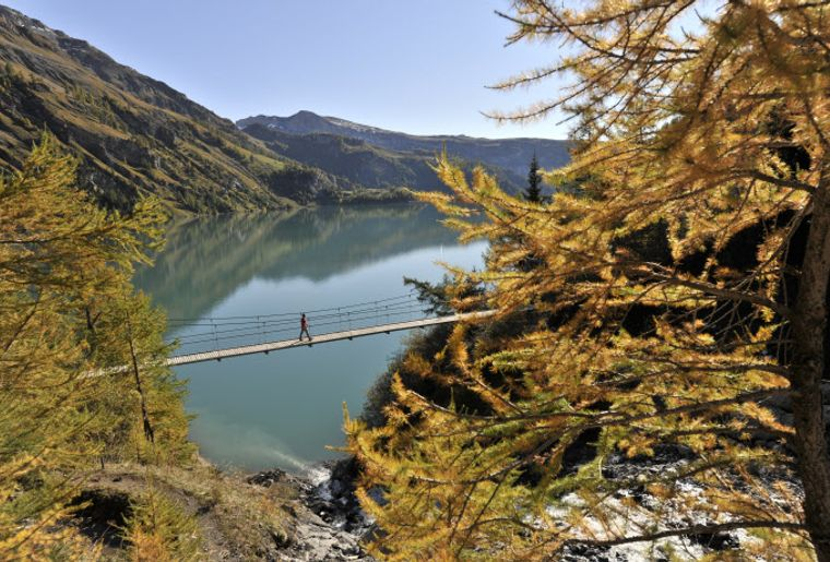 Lac de Tseuzier © Valais-Wallis Promotion - Christian Perret.jpg