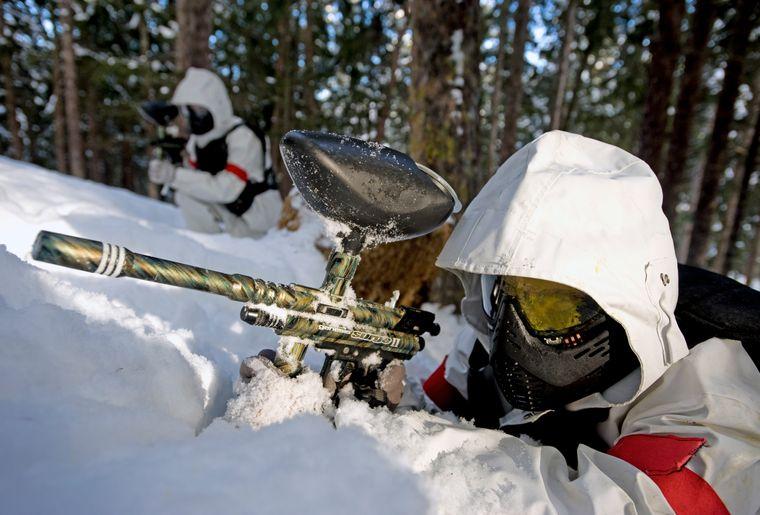 Paintball dans la neige à Crans-Montana © Patrick Frilet.jpg