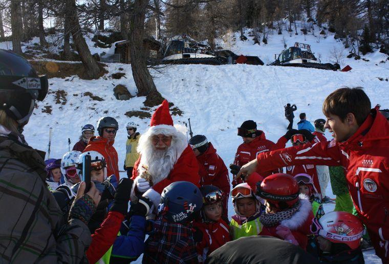 Visite du Père Noël Ovronnaz.JPG