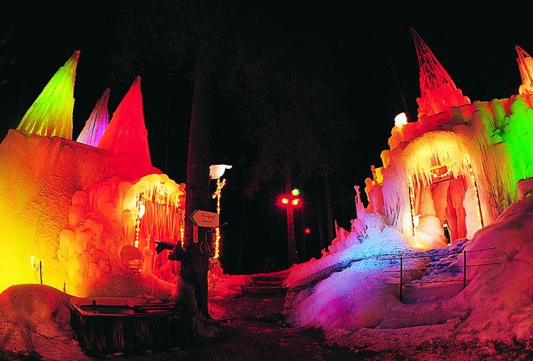 palais-de-glace-schwarzsee-lac-noir-loisirs.ch.jpg