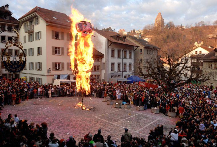 Carnaval des Bolzes © Fribourg Tourisme -  Collectif de photographes.jpg