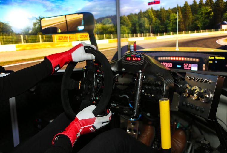 simul-racing-valais-2.jpg
