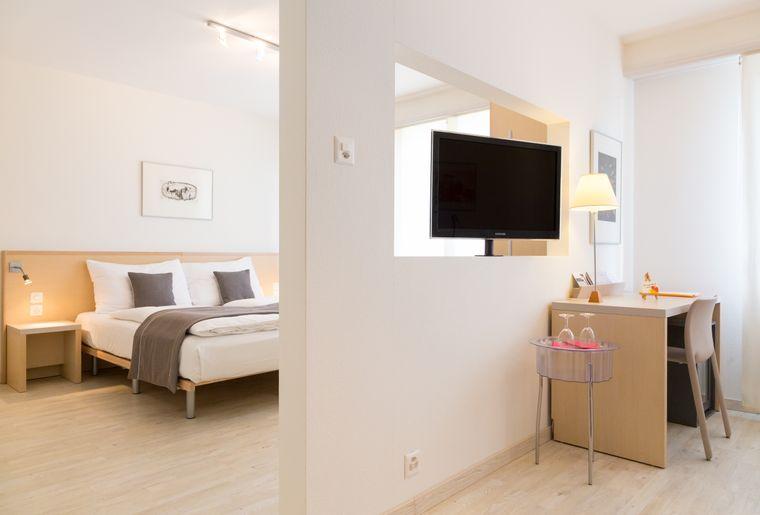 HotelArts1-NDeNisco-Full-005.jpg