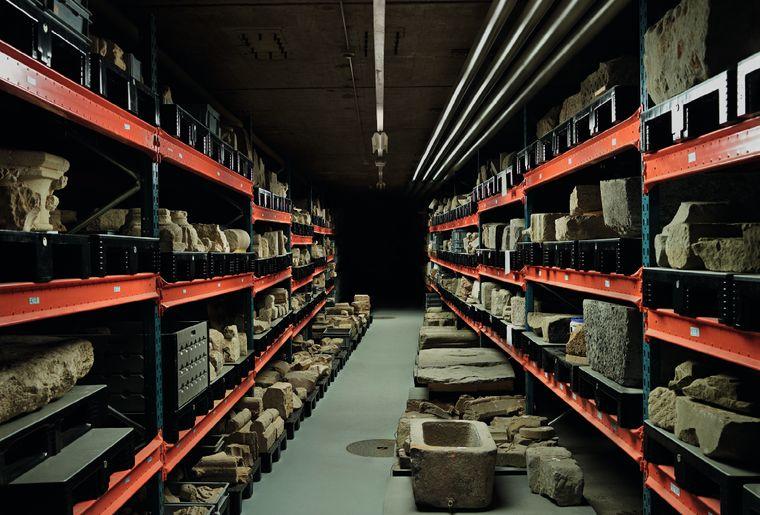 Réserves du musee archeologie, photo Régis Golay.jpg