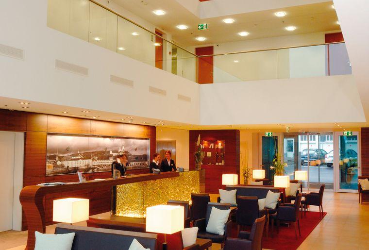 h-hotels_lobby-02-h4-hotel-solothurn_Original (kommerz. Nutzung) .jpg