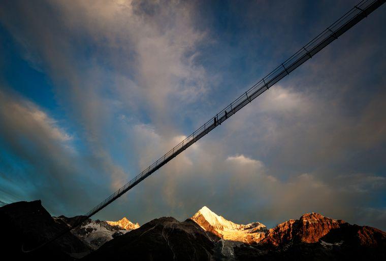 pont-suspendu-randa-zermatt-graechen.jpg