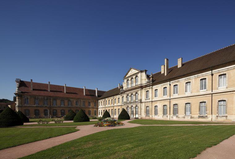 Abbaye de Cluny, bâtiment conventuel @D.Bordes_CMN_FLC.jpg