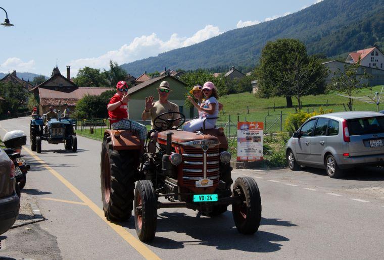 vieux-tracteurs-miniatures-agricoles-berolle