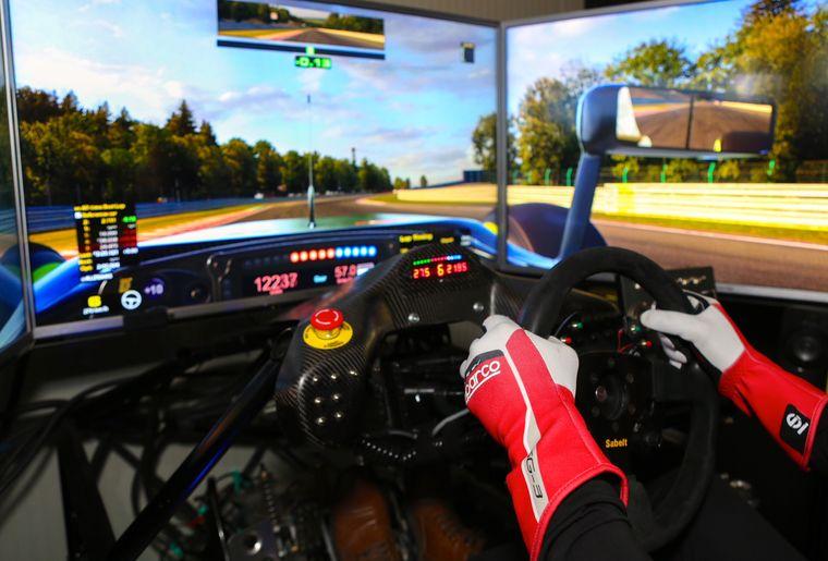simul-racing-valais-6.jpg