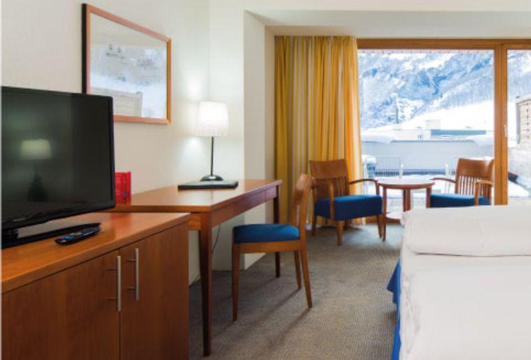 Zimmer im Hotel Bristol Leukerbad 2.jpg