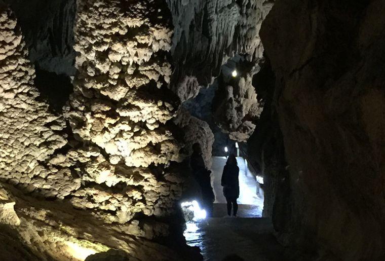 Visite 100% Frissons aux Grottes du Cerdon.jpg