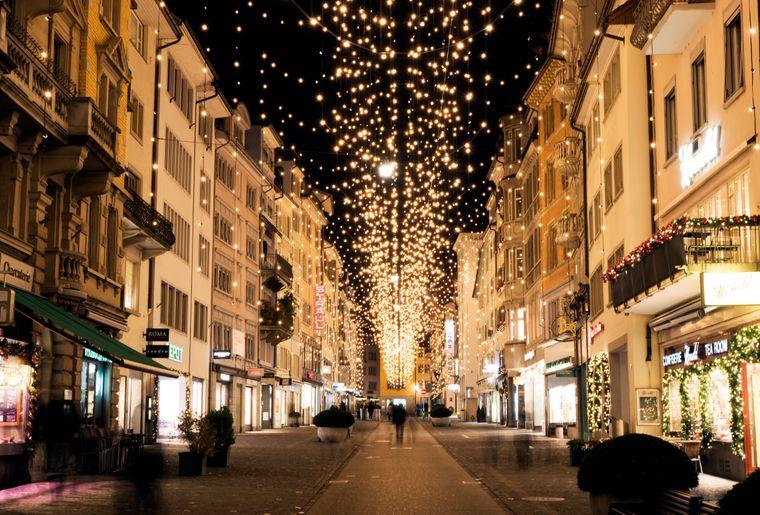 weihnachtsmarkt © Katharina Lütscher  Zürich Tourismus.jpg