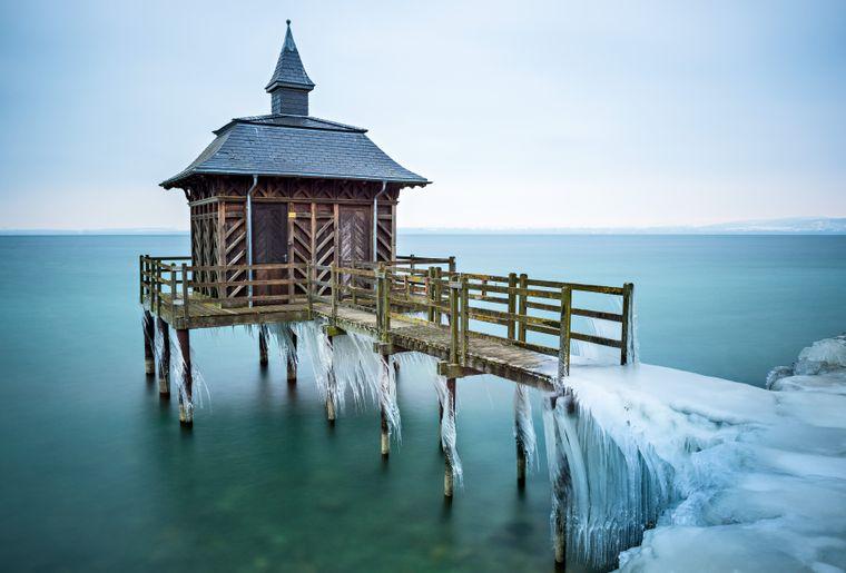 Etablissement de bains - Gorgiers - Lac de Neuchâtel © Switzerland Tourisme - Martin Maegli.jpg