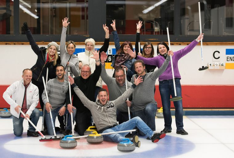 palladium-champery-patinoire-curling.jpg