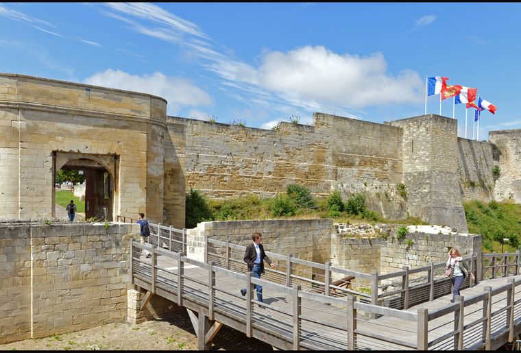 52467-Caen__le_chateau-Ville_de_Caen___Francois_DECAENS.JPG