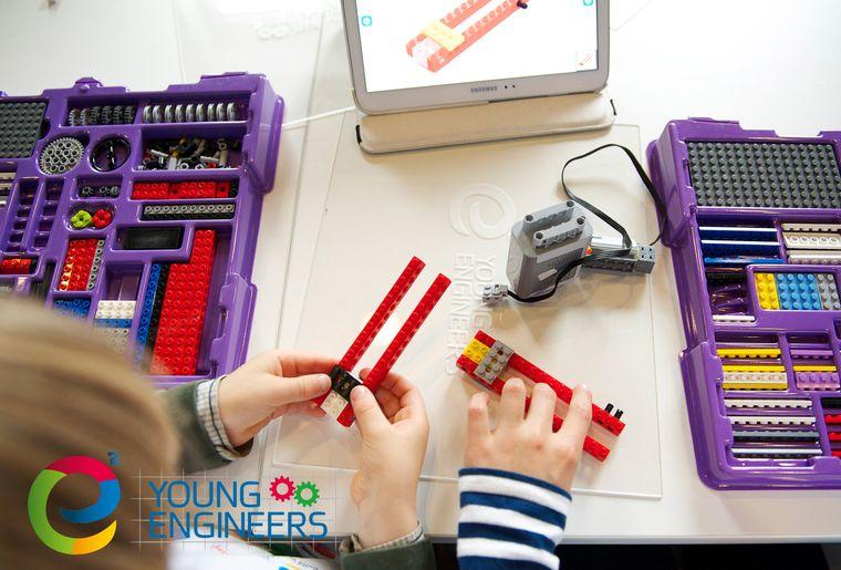 Young engineers1.jpg