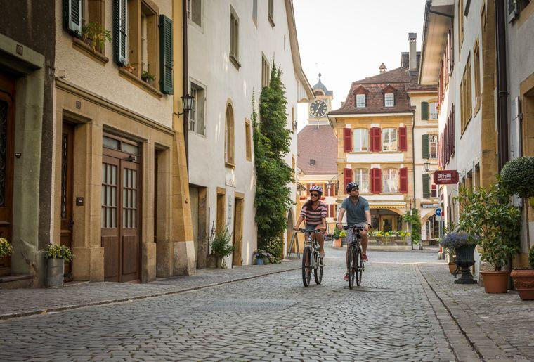 tour-lac-morat-velo-e-bike-electrique-balade.jpg