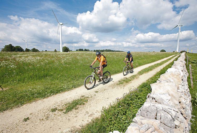 mont-soleil-e-bike-tour-velo-electrique-vtt.jpg