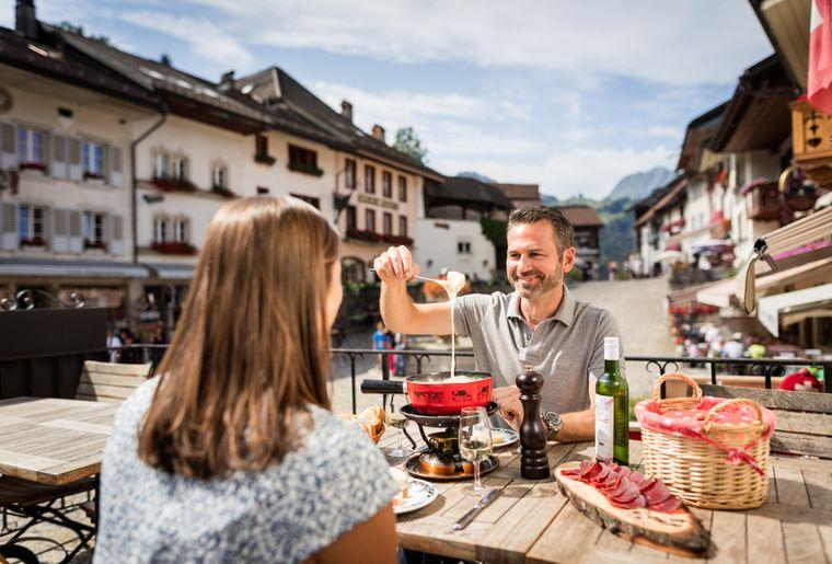 gruyeres-fondue-balade-gourmande.jpg