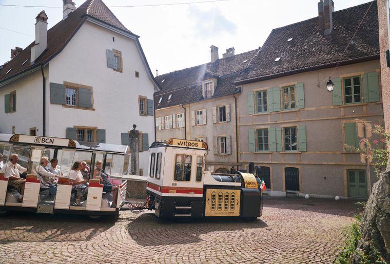 train-touristique-neuchâtel-2.jpg