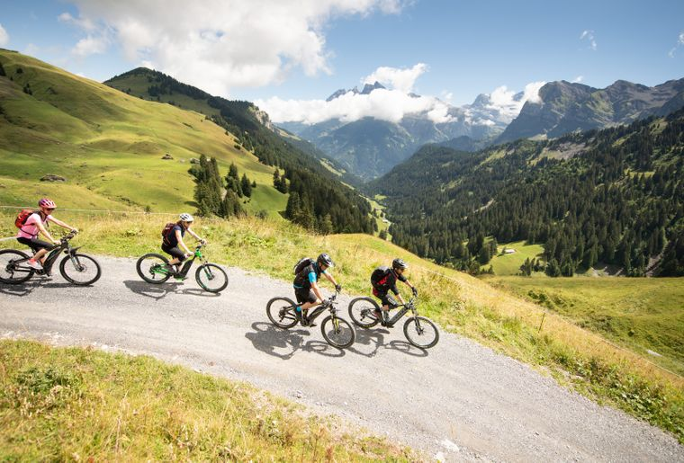 e-bike-grand8-champery-velo-electrique.jpg