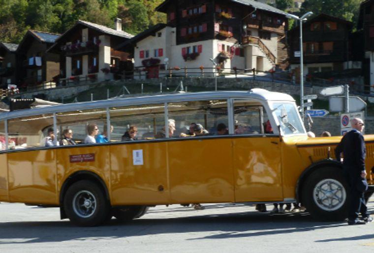 CarSaurerAnniviersValaisSuisse.jpg