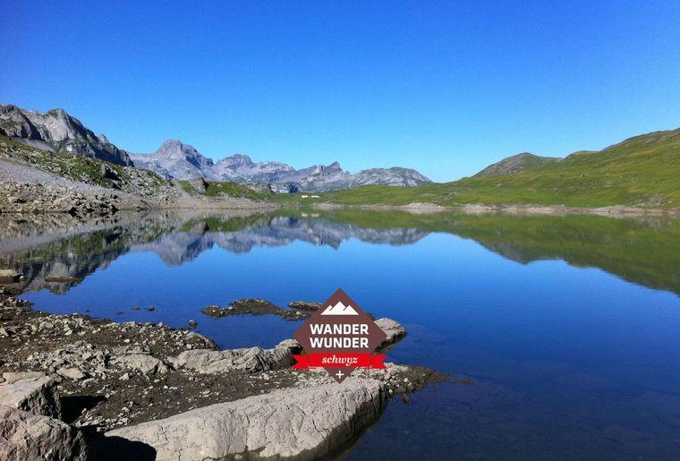 Glattalpsee c Schwyz Tourismus, Schwyzer Wanderwege.jpg