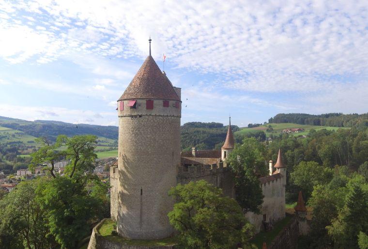 DJI_0140_copyright_Château de Lucens.JPG