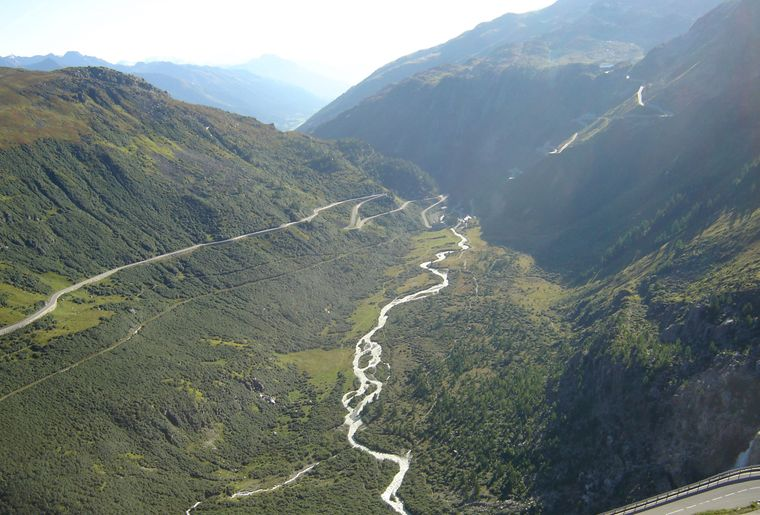 balade-rando-vallée-conches-glacier-rhone.jpeg