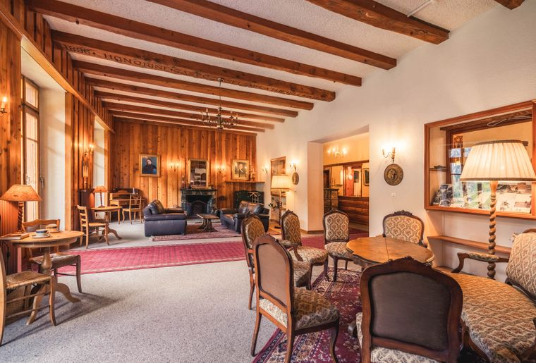 Grand-Hôtel-Kurhaus-2.jpg