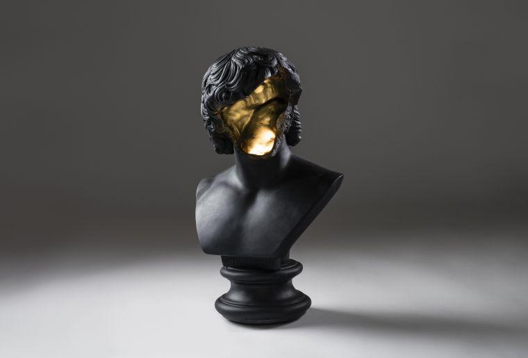 5.-ERRAZURIZ-Table-Lamp-_Bust_-black.jpg