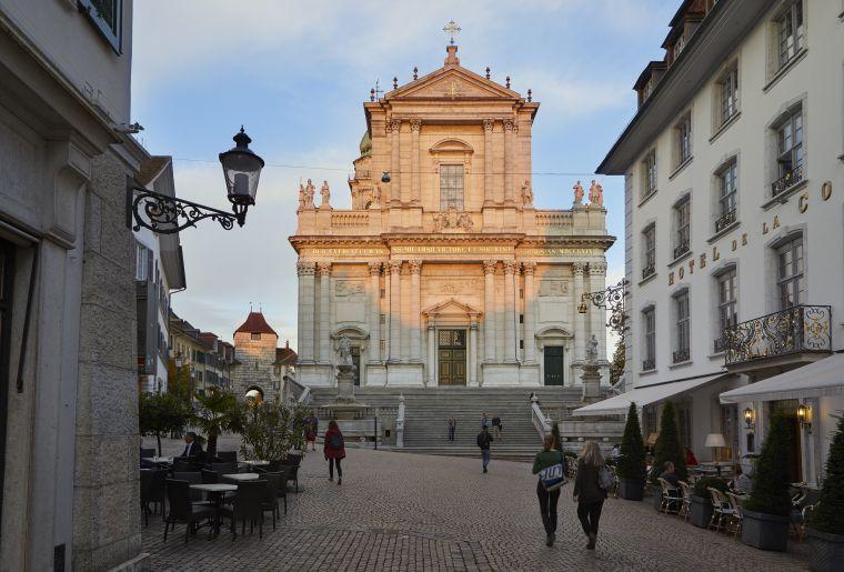 Hauptgasse_St. Ursen Kathedrale  Solothurn Tourismus_Tino Zurbrügg.jpg