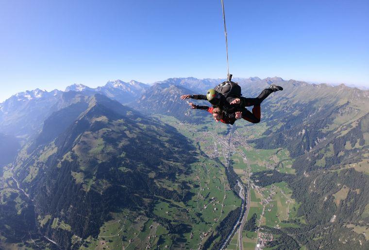 SkydiveSwitzerland-12.JPG