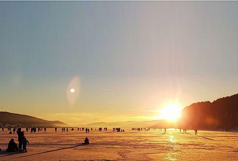 Lac-de-Joux-gele.jpg