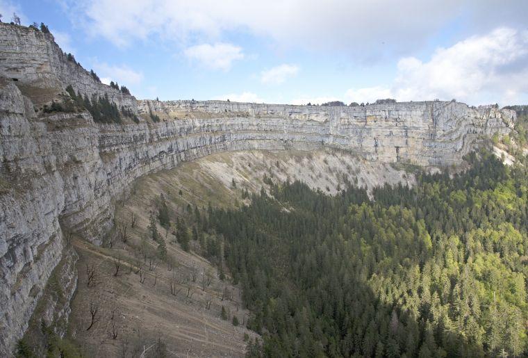 creux-du-van-balade-rando-panoramique.jpg