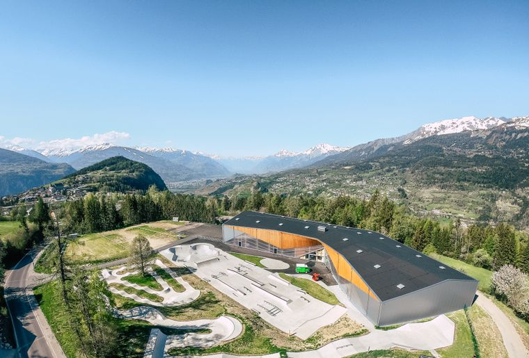 alaia-chalet-crans-montana-skate-park-drone.jpg