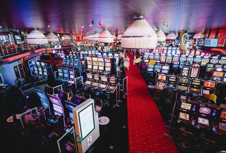 Casino-Barriere-Montreux-salle-jeux-4[1].jpg