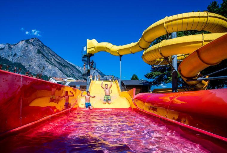 Bains-de-Saillon-centre-thermal-enfants-2©nuno-acacio-RVB_LOW.JPG