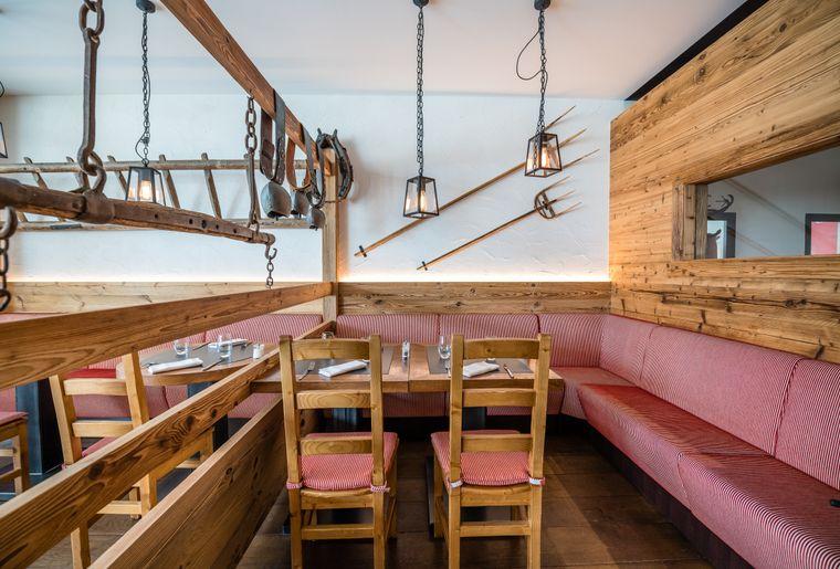 Bains-de-Saillon-restaurant-carnotzet©nuno-acacio-RVB.jpg