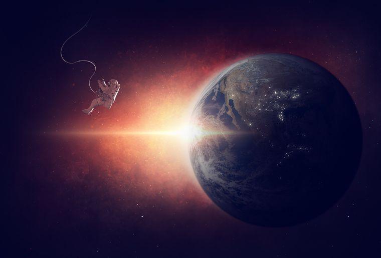 astronaut-1784245_1920.jpg