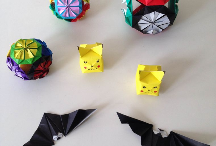 IMG_3713 diamant chauve-souris Pikachu.jpg