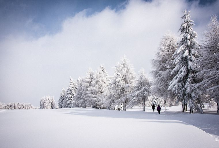 chemin-golf-crans-montana-balade-famille-hiver.jpg