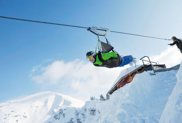 Chatel_FantasticableHiver_013©Thiebaut.jpg