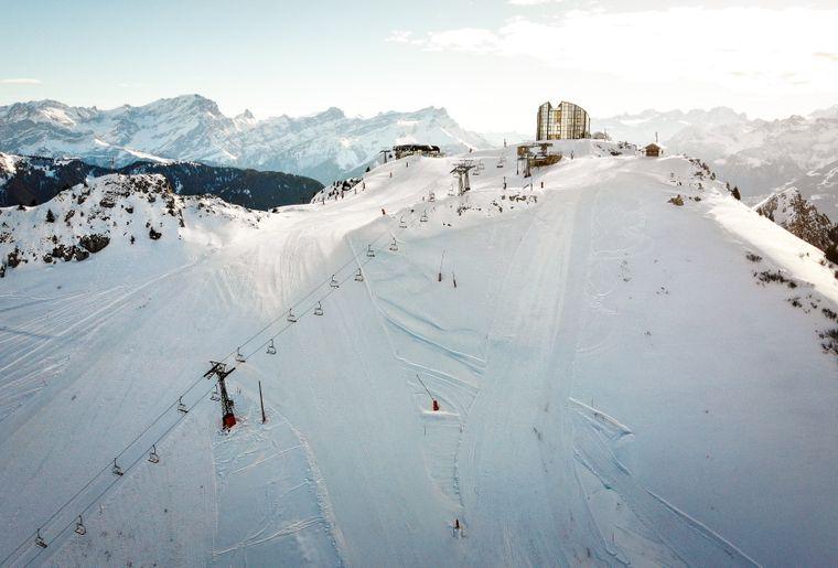 Pre-Opening-ski-0423.jpg