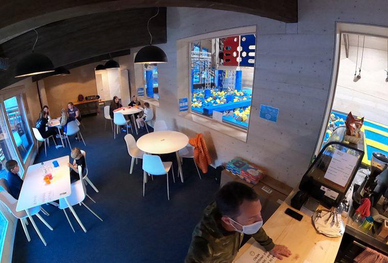 indoor-park-grimentz_360_reception_04.jpg