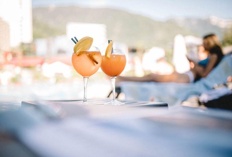 630_piscine_montreux_cocktails.jpg