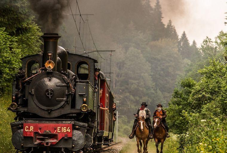 train-vapeur-franches-montagnes-attaque-cfj.jpg