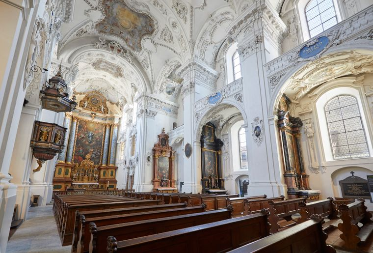 Jesuitenkirche_01_ Solothurn Tourismus_Tino Zurbrügg.jpg